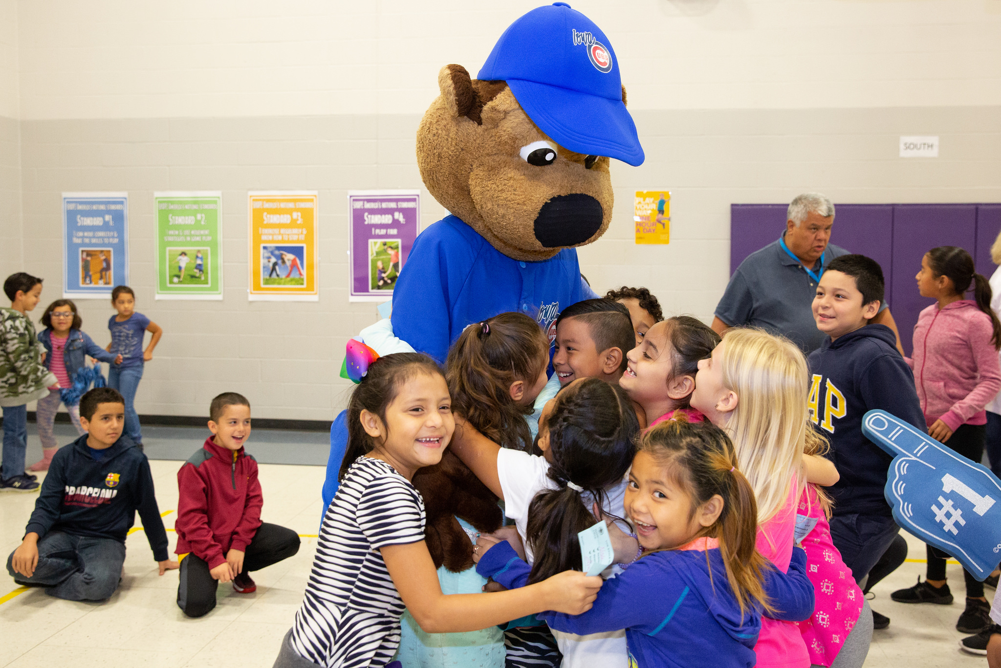 Cubs, Eagles Team Up for Reading Challenge